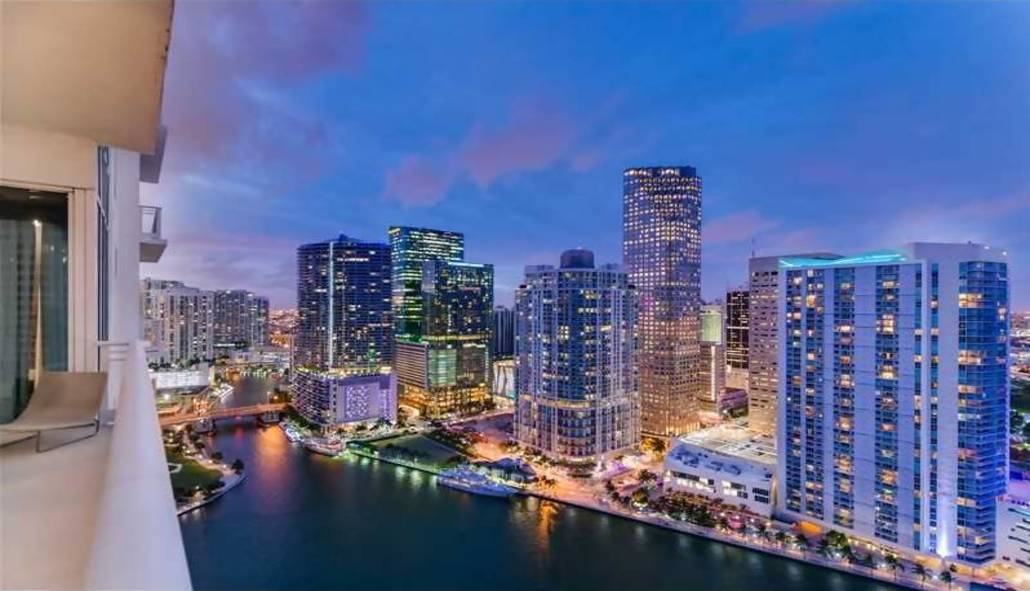 900 Brickell Key BLVD, Miami, FL 33131